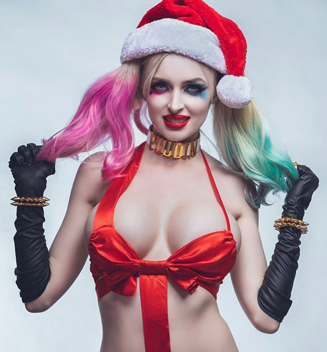 Holiday Harley Quinn By Kristen Lanae
