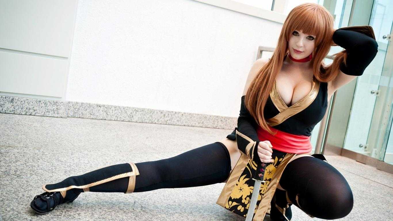 KANA Cosplay As Kasumi From Dead Or Alive