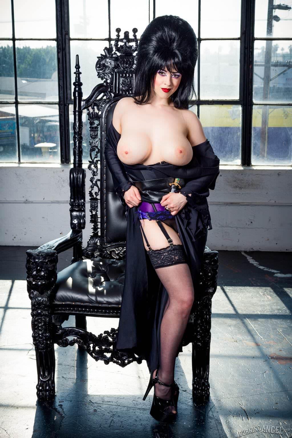 Larkin Love As Misress Elvira