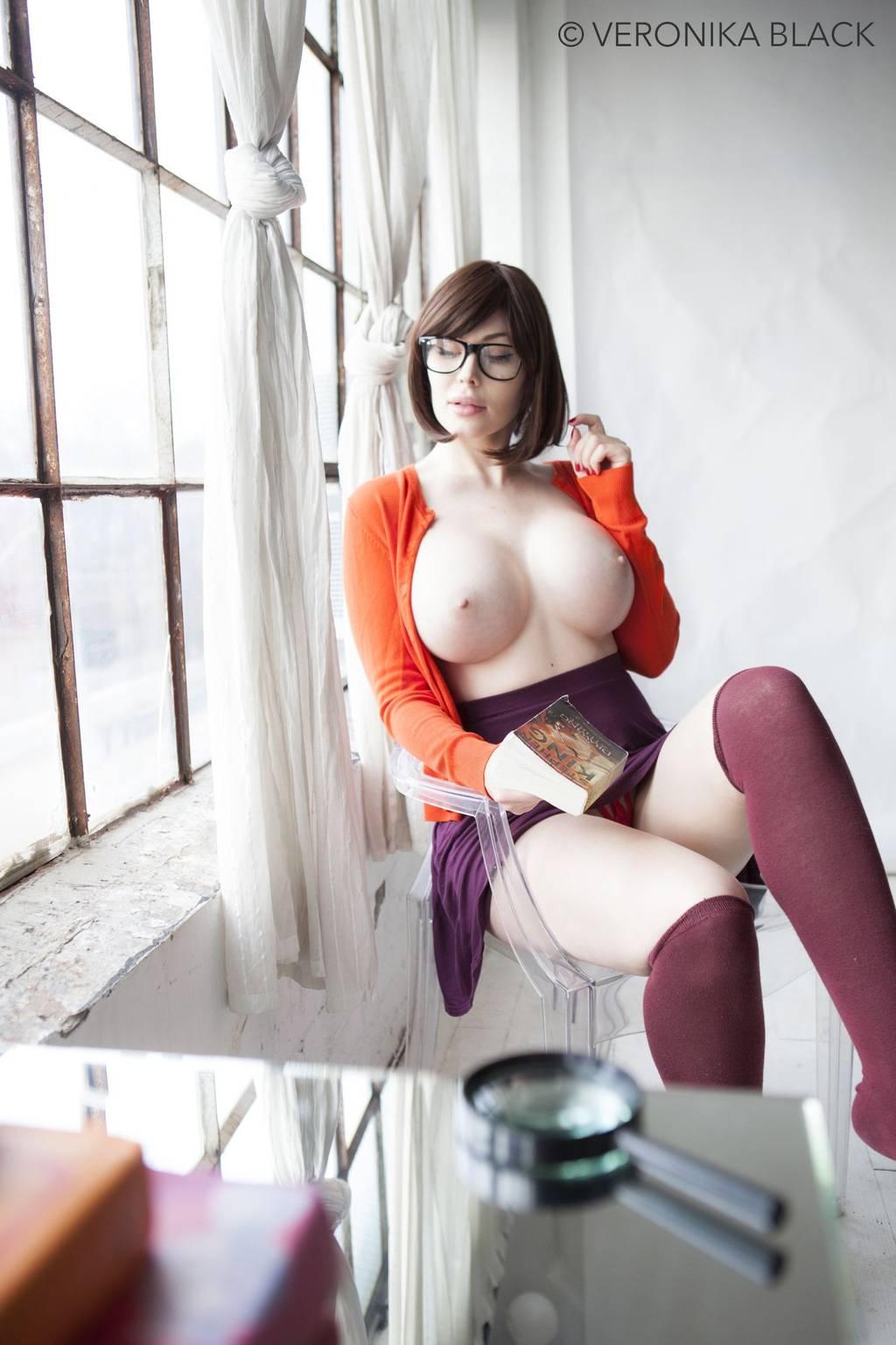 Velma By Veronika Black