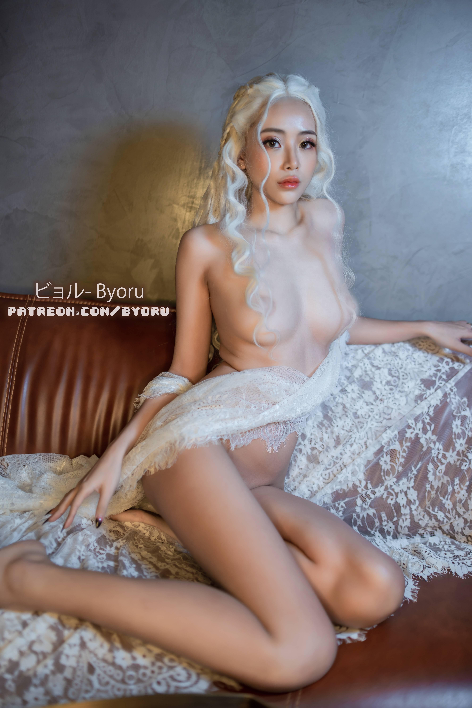 Daenerys Targaryen By Byoru