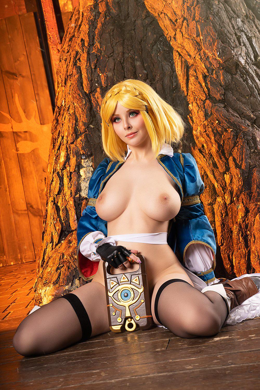 Princess Zelda By Helly Valentine