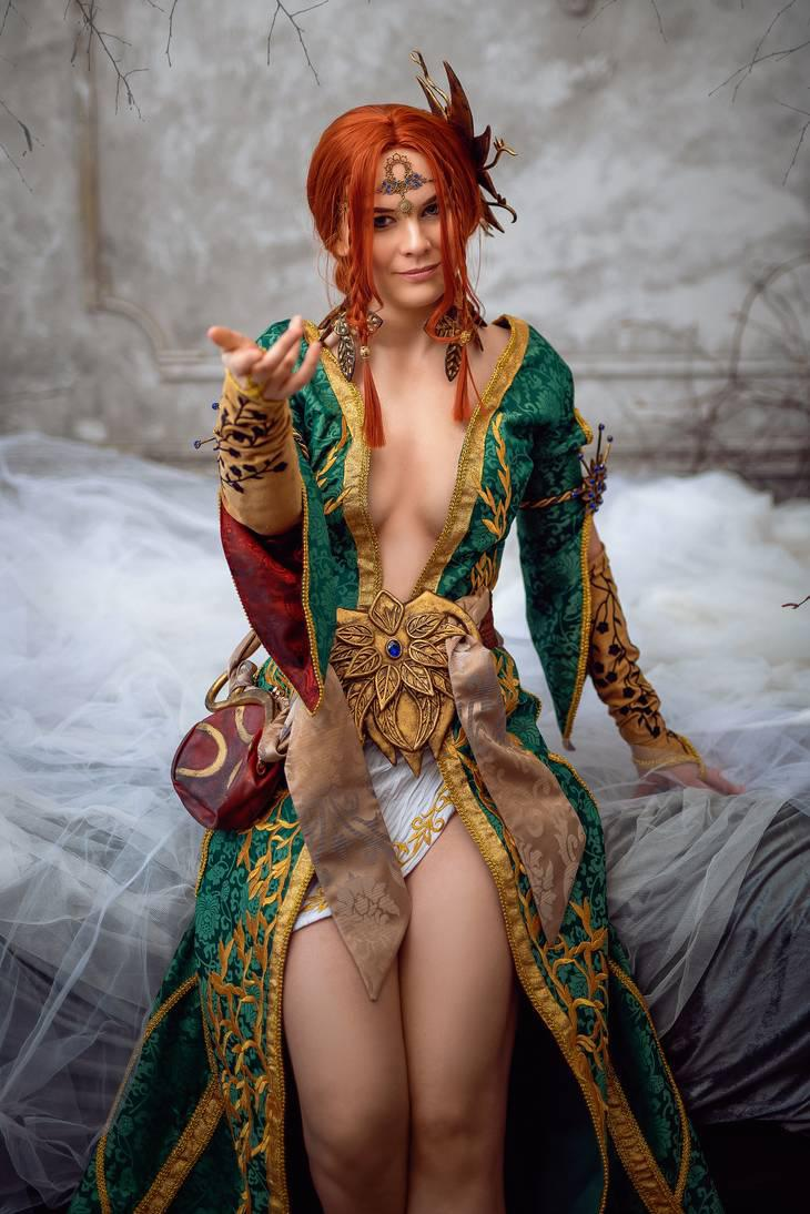 Triss Cosplay From Witcher 3 By DungeonQueen