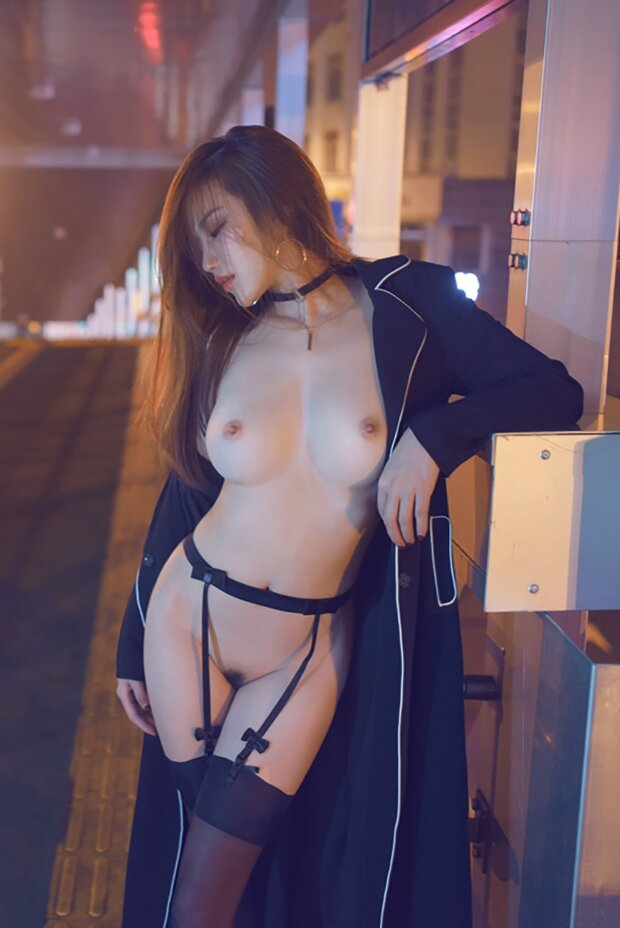 Asian Hottie Photoshoot Outside