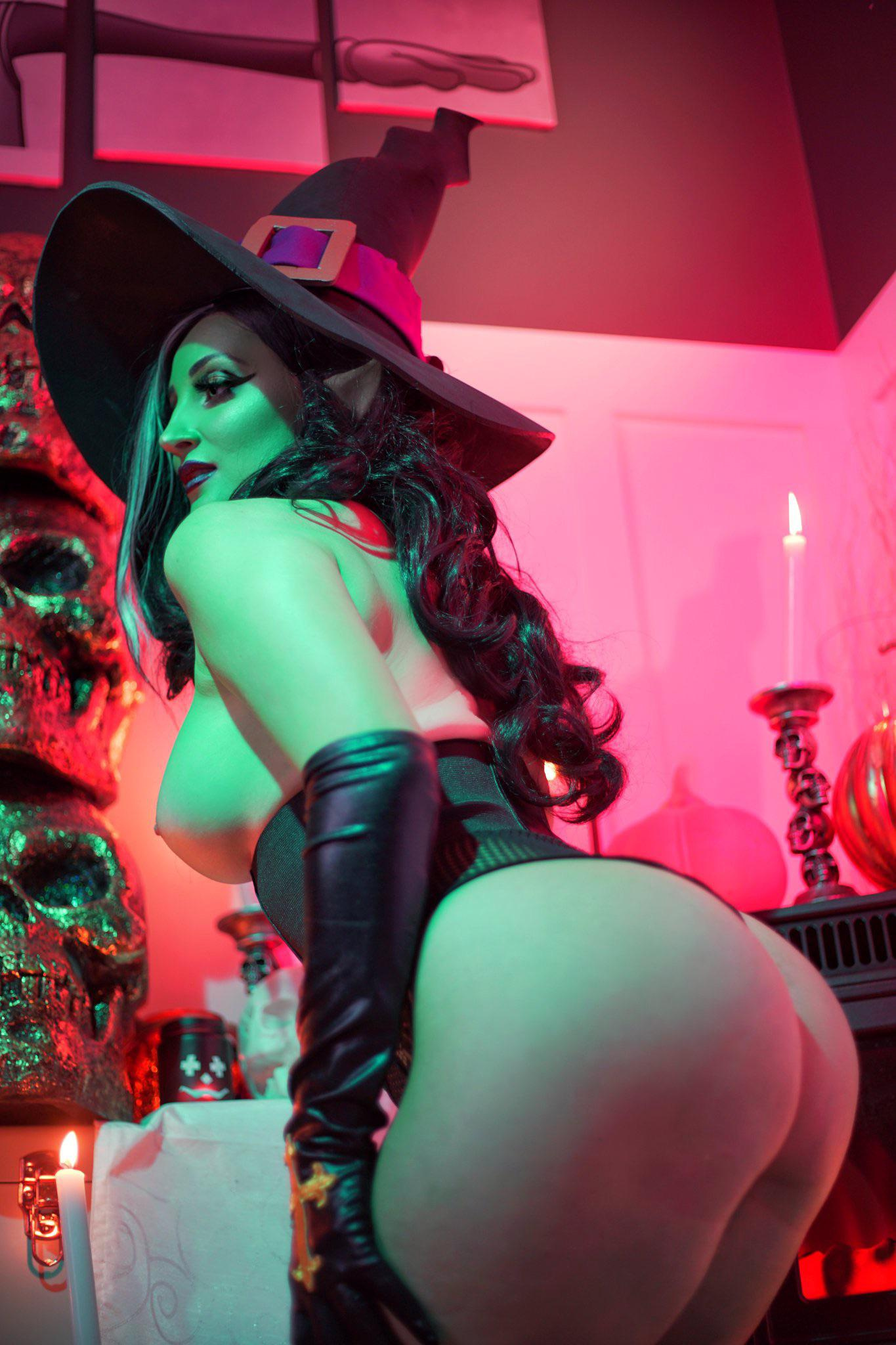 Witchy Woman – Holly Wolf