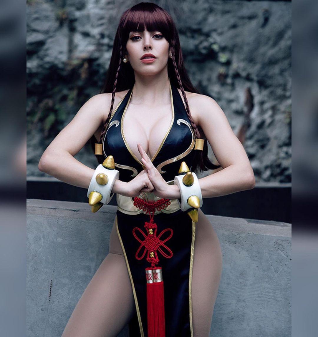 Nadyasonika As Chun-Li, Street Fighter