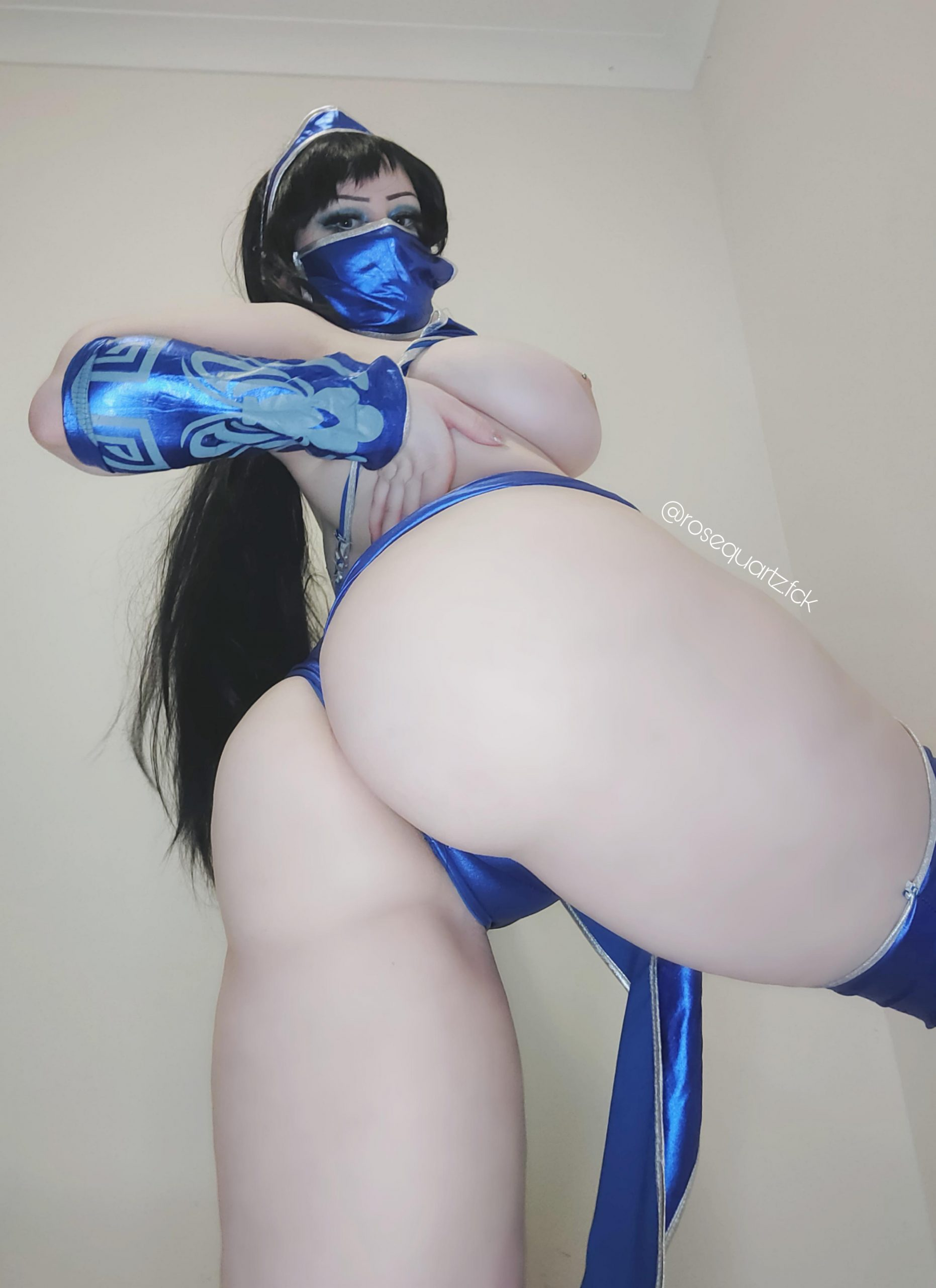 Kitana From Mortal Kombat Cosplayer RoseQuartzFck