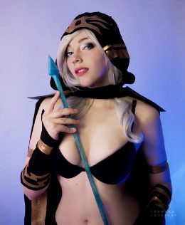 Ashe From League Of Legends Cosplay By Sawaka