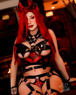 Bat Empress By Giu Hellsing