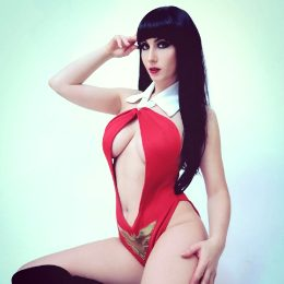 BeauPeep Cosplay As Vampirella
