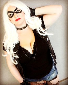 Black Cat Sarah Bellum Cosplay Instagram.com/sarahbellum.cosplay