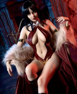 Helly Valentine As Vampirella From Dynamite Entertainment