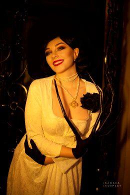 Lady Dimitrescu Cosplay By Sawaka