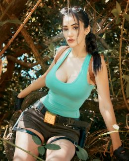 Lara Croft From Tomb Raider By Sophie Valentine