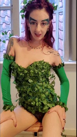 Poison Ivy From Batman By The9DayQueen