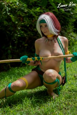 Rogue Is Stranded And Needs Help. Cosplay By LunaRaeCosplay