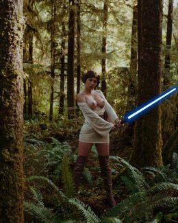 Sara Jean Underwood As Princess Leia