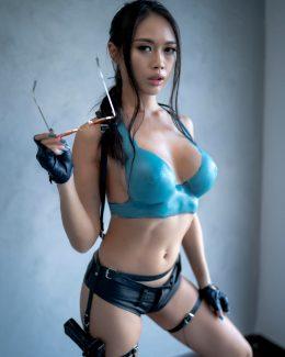Sexy Lara Croft By Linny Hill