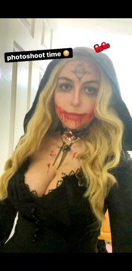 Smolpumpkin As RE8 Witch