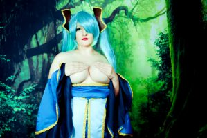 Sona – League Of Legends By Natsumi Louise Cosplay