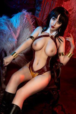 Vampirella By @hellyvalentine