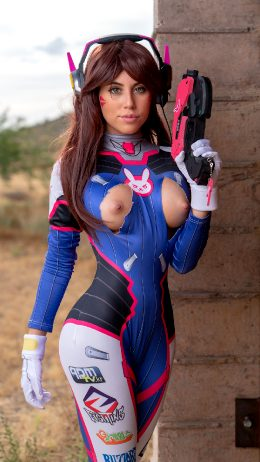 Violet Summers As DVA