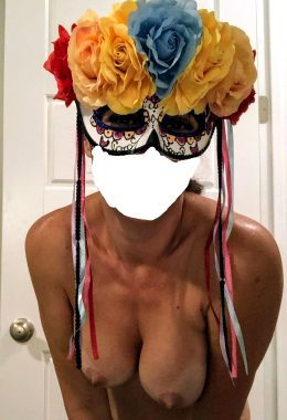 Who Wants To CUM And Play Dress Up This Riday Night?