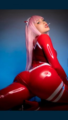 Zero Two Looking Fine